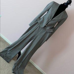 A-K-R-I-S runway grey suit us sz 4 France 36